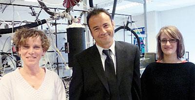 Jean-François Brilhac et deux doctorantes, chercheuses au Laboratoire GRE