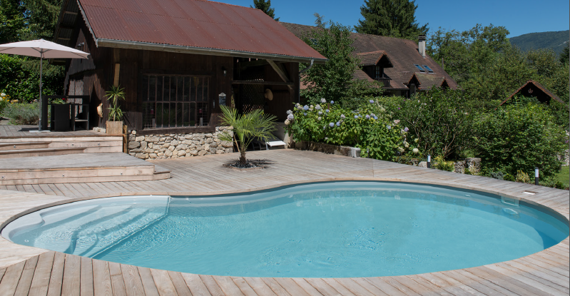 L entreprise piscines waterair triplement r compens e aux for Construction piscine waterair eva