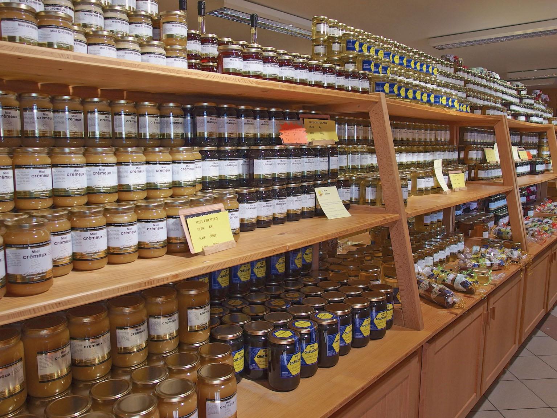 l 39 apiculteur riche poss de 500 ruches qui produisent un miel d 39 alsace excellent le p riscope. Black Bedroom Furniture Sets. Home Design Ideas