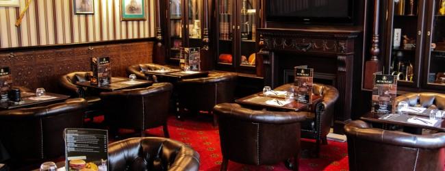 en plein travaux au bureau le nouveau pub brasserie le p riscope. Black Bedroom Furniture Sets. Home Design Ideas