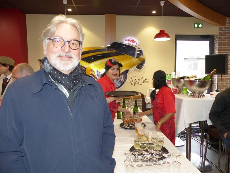 Ouverture de la 1ère pizzeria Papa John's en France